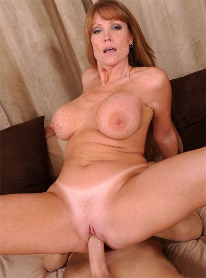 Milf england lady red tube